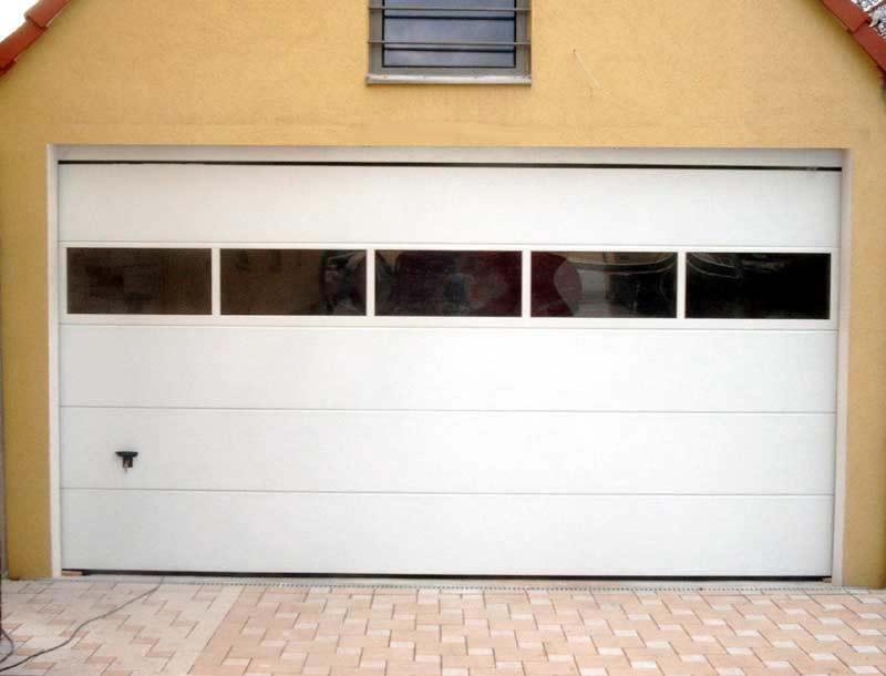 Garagentor mit fenster  Meurer Bauelemente - Portfolio